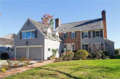 Connecticut Single Family Home For Sale: 230 Dolphin Cove Quay