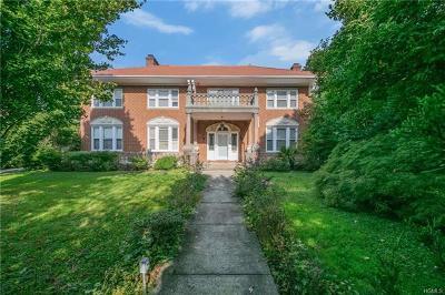 Pelham Single Family Home For Sale: 4579 Boston Post Road