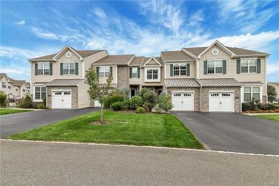 Fishkill Condo/Townhouse For Sale: 1305 Glastonbury Lane