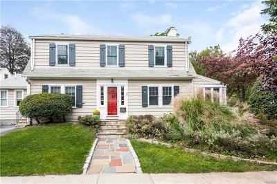 Larchmont Single Family Home For Sale: 2 Cambridge Court