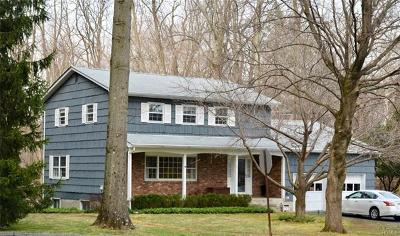 Croton-on-hudson Single Family Home For Sale: 1 Eklof Court