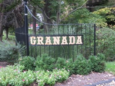 White Plains Condo/Townhouse For Sale: 12 Granada Crescent