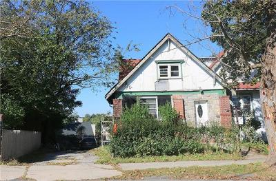 Single Family Home For Sale: 9 Aka 11 Wellesley Avenue