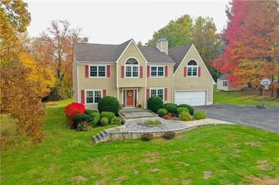 Cortlandt Manor Single Family Home For Sale: 21 Peachtree Drive