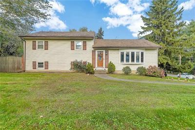 Newburgh Single Family Home For Sale: 8 Pacer Drive