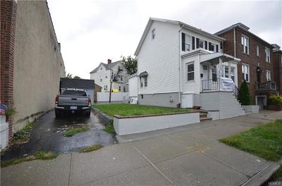 Bronx NY Single Family Home For Sale: $559,000