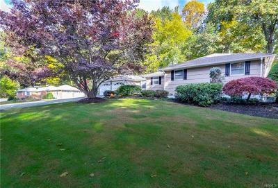 Single Family Home For Sale: 14 Oakwood Terrace