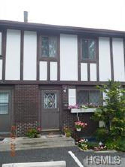 Pomona Condo/Townhouse For Sale: 111 Buckingham Court