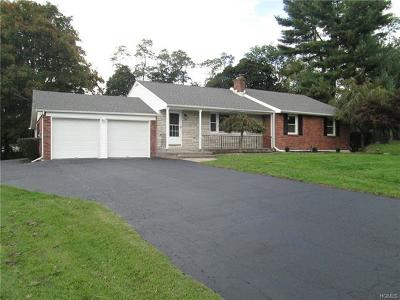 New Windsor Single Family Home For Sale: 40 Willow Parkway