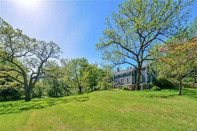 Single Family Home For Sale: 452 Haverstraw Road