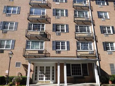 Tuckahoe Condo/Townhouse For Sale: 4 Consulate Drive #1-M