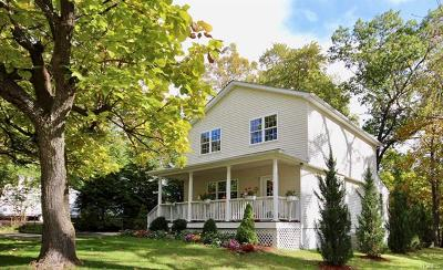 New Windsor Single Family Home For Sale: 174 Sycamore Drive