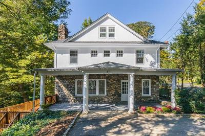 White Plains Single Family Home For Sale: 87 Saxon Woods Road