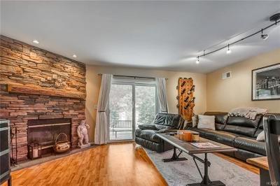 Pine Bush Condo/Townhouse For Sale: 99 Boniface Drive #1D