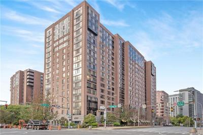 White Plains Condo/Townhouse For Sale: 4 Martine Avenue #1408