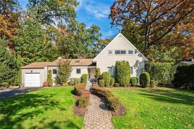 New Rochelle Single Family Home For Sale: 54 Old Country Road