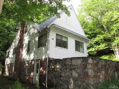 Woodbourne Single Family Home For Sale: 15 Jones Terrace
