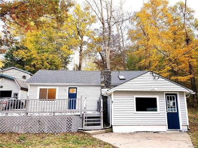 Greenwood Lake Single Family Home For Sale: 2 Cedar Road