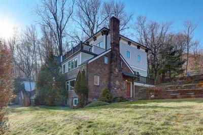 Nyack Single Family Home For Sale: 4 Hawthorne Place