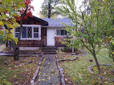 Monroe Single Family Home For Sale: 22 Paradise Trail