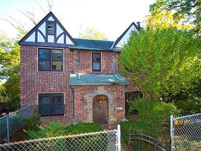 Yonkers Single Family Home For Sale: 68 Ridge Road