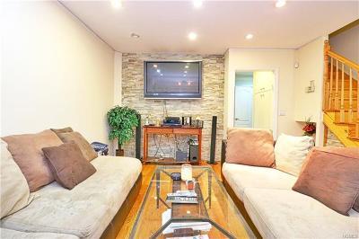 Multi Family 2-4 For Sale: 3121 Corlear Avenue
