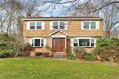 Westchester County Single Family Home For Sale: 76 Thoreau Court