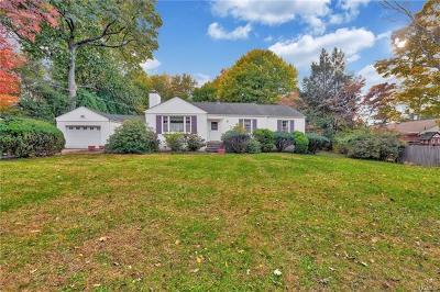 Single Family Home For Sale: 61 Hillside Avenue