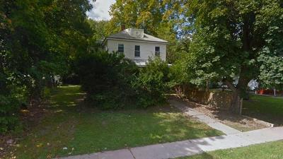 Monroe Single Family Home For Sale: 15 Franklin Avenue