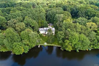 Westchester County Single Family Home For Sale: 10 Pheasant Road