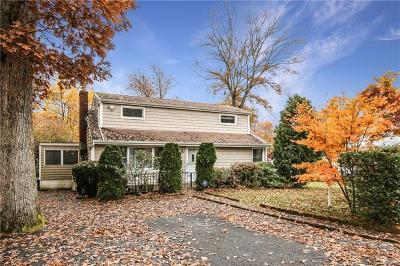 Mohegan Lake Single Family Home For Sale: 3207 Mohegan Avenue