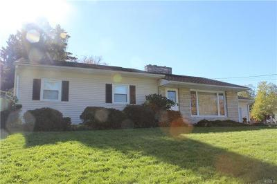 New Windsor Single Family Home For Sale: 2 Stone Ledge Lane
