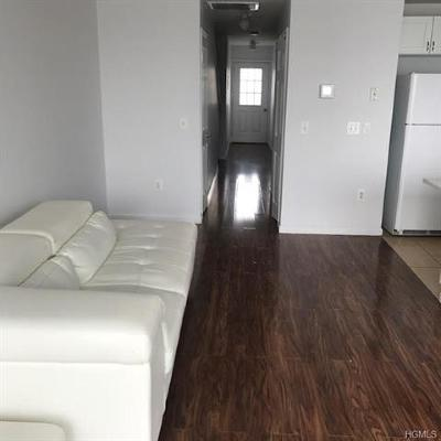 Bronx NY Condo/Townhouse For Sale: $478,000