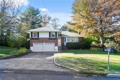 White Plains Single Family Home For Sale: 11 Lenroc Drive