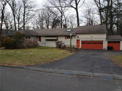Suffern Single Family Home For Sale: 1 Hidden Valley Drive