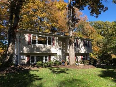 Rockland County Single Family Home For Sale: 22 Sturbridge Court
