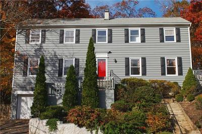 New Rochelle Single Family Home For Sale: 74 Rolling Way
