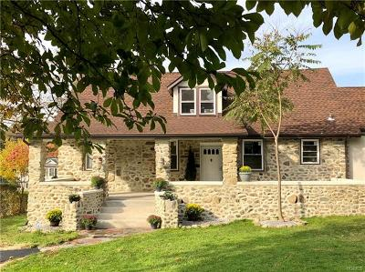Mohegan Lake Single Family Home For Sale: 3324 Lookout Street