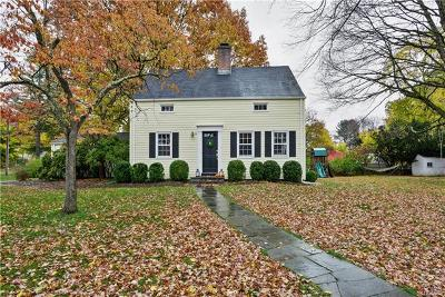 Bedford Single Family Home For Sale: 38 The Farms Road