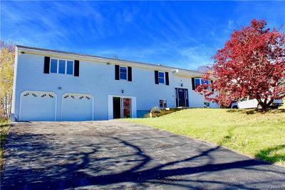Newburgh Single Family Home For Sale: 7 Eden Rock Lane