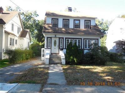 Pelham Single Family Home For Sale: 425 Carol Place