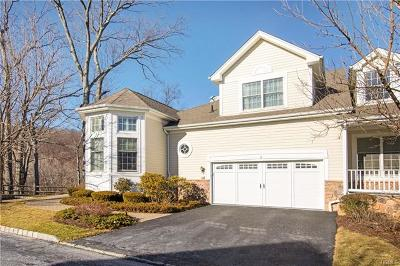 Cortlandt Manor Condo/Townhouse For Sale: 8 Bethpage Court