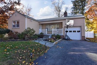 Ardsley Single Family Home For Sale: 148 Huntley Drive