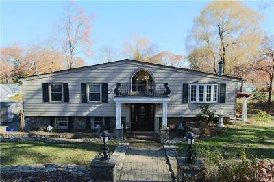 Westchester County Single Family Home For Sale: 10 North Shenorock Drive