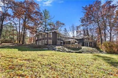 Westchester County Single Family Home For Sale: 16 East Kinnicut Road