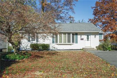 Single Family Home Sold: 14 Heck Road