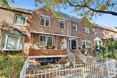 Bronx Single Family Home For Sale: 2145 Bogart Avenue