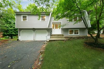 Rockland County Single Family Home For Sale: 4 Earl Court