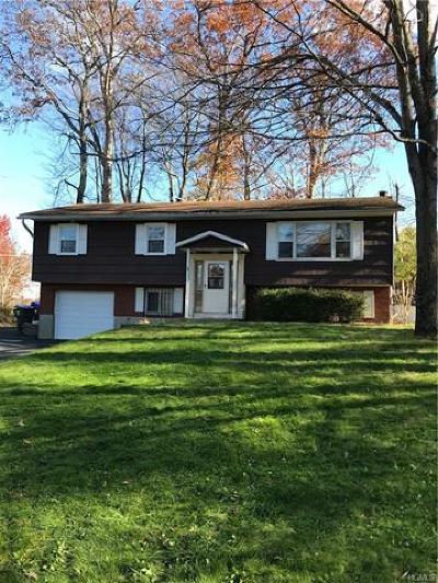 Newburgh Single Family Home For Sale: 5 Kentucky Drive