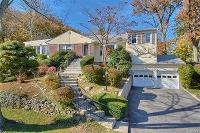 White Plains Single Family Home For Sale: 5 Baylor Circle